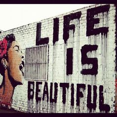 Life is good® : Life is beautiful