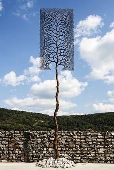 Marya, new for you: Jasmin Sian, Carla Chaim and Outdoor Sculpture, Sculpture Art, Recycled Metal Art, Metal Art Projects, Steel Art, Popular Artists, Iron Decor, Land Art, Kirchen