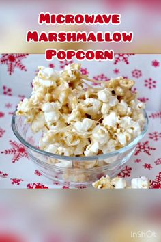 This delicious and easy Microwave Marshmallow Caramel Corn recipe takes less than 10 minutes from start to finish! It makes a yummy snack any time of year and also a great Christmas Treat! Caramel Corn Recipes, Popcorn Recipes, Snack Recipes, Cooking Recipes, Dessert Recipes, Desserts, Marshmallow Caramel Popcorn, Homemade Kettle Corn, Yummy Snacks