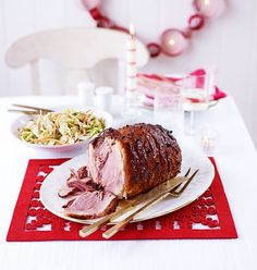The best bit of Boxing Day is definitely the Christmas ham – these festive ham recipes include cola ham, apple and bourbon roast ham and crackling ham. Gammon Recipes, Meat Recipes, Cooking Recipes, Recipies, Yummy Recipes, Free Recipes, Chicken Recipes, Christmas Ham Recipes, Christmas Cooking