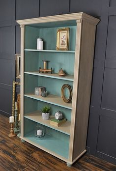 chic kitchen Awesome DIY Shabby Chic Furniture Makeover Ideas ⋆ Crafts and DIY Ideas Shabby Chic Mode, Shabby Chic Bedrooms, Shabby Chic Kitchen, Kitchen Rustic, Small Bedrooms, Guest Bedrooms, Bookcase Makeover, Furniture Makeover, Diy Furniture