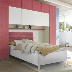Cikkszám: 621706-16-R 160x200cm-es ágy, hajlított fejtámláján vízszintes lécezéssel. Rendkívül dekoratív és stílusos!
