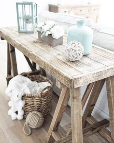 Awesome 13 Beach Cottage Rooms – love this sawhorse styled side table made with reclaimed wood. The post 13 Beach Cottage Rooms – love this sawhorse styled side table made with reclaime… appeared first on Etty Hair Saloon . Beach Cottage Style, Beach Cottage Decor, Cottage Chic, Coastal Style, Modern Coastal, Beach Apartment Decor, Cottage Living, Cottage Art, Cottage House