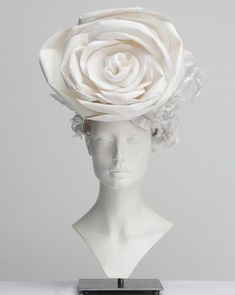The sumptuous paper hats created by Katsuya Kamo for the Chanel 2009 collection
