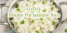 So you got an instant pot and want to fix rice in it. Well let me share with you this EASY Instant Pot Jasmine Rice Recipe. It is a hit in our household and so simple to make. Instant Pot Jasmine Rice Recipe, Jasmine Rice Recipes, Rice Cooker Recipes, Cooking Recipes, Instantpot Rice, Instant Cooker, Mug Recipes, Food Fantasy, Cooking Gadgets