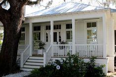 Résultats de recherche d'images pour «silver metal roof house»