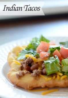 OKLAHOMA Indian Tacos with Indian Fry Bread. Also known as Navajo Tacos/Fry Bread. Possibly use homemade taco seasoning instead of prepackaged. Mexican Food Recipes, Beef Recipes, Dinner Recipes, Cooking Recipes, Ethnic Recipes, I Love Food, Good Food, Yummy Food, Indian Tacos