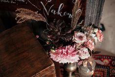 Burgundy dahlia, copper vase Floral Arrangements, Wedding Decorations, Copper, Vase, Flowers, Instagram, Flower Arrangement, Flower Arrangements