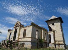 Palatul familiei Orezeanu din Traian, Brăila Romania, Explore, Mansions, Architecture, House Styles, Home Decor, Arquitetura, Decoration Home, Room Decor