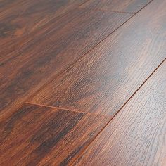 Toklo 12 mm Laminate in Rosewood