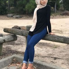 Good morning from modelle✨we are open today from 10am-5pm both stores with new stock  #sundayfunday #modelleofficial #ootd #hootd #hijab #fashion #coveredhair #casual #getthelook #outfit #modest #muslimah #style #love #follow #black #fashionblogger #fashionista #tbt #inspiration #spring  #islam #travelgram  #shop #modesty #clothes #like #summer #new