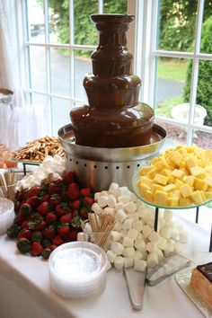 Chocolate Fountain with marshmallows, strawberries, pretzels, and more… Chocolate Fountain Recipes, Chocolate Fountains, Chocolate Fondue, Chocolate Fountain Wedding, Chocolate Chocolate, Chocolate Dipped, Dessert Party, Pink Dessert Tables, Party Food Bars