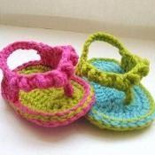 Flip Flops Baby Booties Crochet Pattern - via @Craftsy