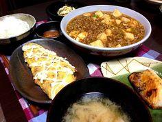 大好物の麻婆豆腐(⌒▽⌒) - 30件のもぐもぐ - 麻婆豆腐、納豆オムレツ、サバ塩、からすみ、白菜サラダ、ごはん、味噌汁 by kazzy18
