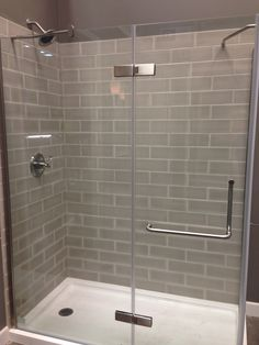 Shower design with clear glass tiles