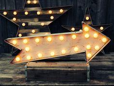 Flèche de chapiteau (relique / / patine / / Fun Fair signe & lumière / Vintage sur le thème / / mariage / / détresse / / l