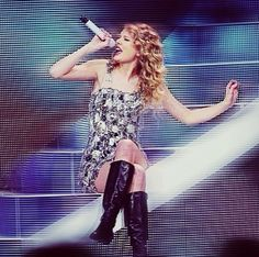 Taylor singing Tell Me Why