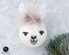 Kids Christmas Ornaments, Christmas Gifts For Girls, Christmas Balls, Christmas Art, Christmas Decorations, Llama Christmas, Christmas Presents, Christmas Stockings, Diy Xmas