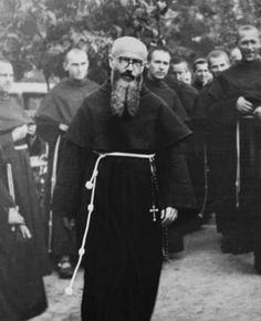 Maximillian Kolbe, St Maximilian, Catholic Saints, I Icon, New World Order, San Francisco, Religious Art, Photo Tips, Black And White