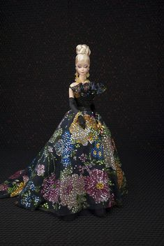 Creations, specializes in one-of-a-kind doll designs, formed by fashion designer, Mario Paglino and graphic art director, Gianni Grossi. Vintage Barbie Clothes, Doll Clothes, Barbie Gowns, Barbie Skipper, Poppy Parker, Beautiful Barbie Dolls, Friend Birthday Gifts, Doll Costume, Barbie Collection