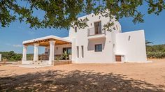 Casa Paloma San Miguel de Balansat Featuring a private outdoor pool and covered terrace, Casa Paloma is set in large grounds in San Lorenzo, 17 km from Ibiza Town and 10 minutes' drive from Santa Gertrudis.