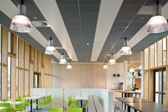 LE PONANT TRAINING CENTER, Francja, Armstrong, sufity podwieszane, ceiling, sufit akustyczny, acoustic, Mesh Metal, Ultima+