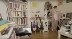 Tavi Gevinson gives a tour of her pastel-coloured apartment - Be Asia: fashion, beauty, lifestyle & celebrity news Tavi Gevinson, My Own Private Idaho, Interior And Exterior, Interior Design, Pretty Room, Dream Apartment, Awesome Bedrooms, Bedroom Decor, New Homes