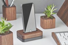 A beautiful steel-and-wood dock that offers true one-handed use.
