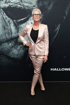 """Jamie Lee Curtis Takes a Victory Lap in Topshop at the """"Halloween"""" Australian Premiere Halloween Jamie, Glenn Close, Jamie Lee Curtis, Effortless Chic, Sexy Ass, Persona, Victorious, Lesbian, Actors & Actresses"""