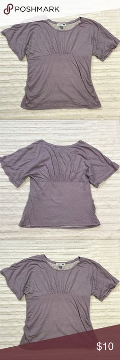 Old Navy Maternity Flutter Sleeve Top This is an Old Navy Maternity Flutter Sleeve Top in Size Xlarge. The top is very soft and stretchy. It is in excellent used condition. Old Navy Tops Blouses