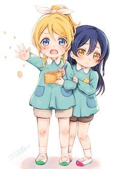 Ayase Eli and Sonoda Umi. - Ayase Eli and Sonoda Umi. Manga Kawaii, Loli Kawaii, Kawaii Chibi, Kawaii Anime Girl, Anime Art Girl, Lolis Anime, Yuri Anime, Cute Anime Chibi, Fanarts Anime