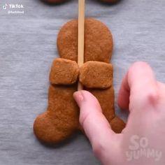 Christmas Gingerbread House, Christmas Party Food, Xmas Food, Christmas Sweets, Christmas Cooking, Christmas Goodies, Christmas Dinners, Christmas Videos, Christmas Makeup