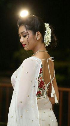 Indian Actress Images, South Indian Actress Hot, Actress Photos, Beauty Full Girl, Beauty Women, Beautiful Women Over 40, Thing 1, Indian Models, Indian Celebrities