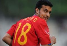 Golazo: Chelseas Pedro scores insane bicycle kick at Spain training (Video)