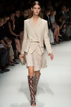 The complete Salvatore Ferragamo Spring 2014 Ready-to-Wear fashion show now on Vogue Runway.