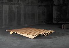 Lattenbett von Atelier Alinea | Einzelbetten