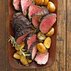 The rub on this gorgeous beef tenderloin is ground coffee, brown sugar, garlic powder, paprika, salt, and black pepper! Find the full recipe here: http://www.bhg.com/christmas/recipes/christmas-dinner-menus/?socsrc=bhgpin120614coffeecrustedbeeftenderloin&page=2