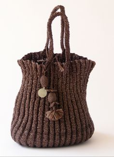 ♥ Gebreide tas bruin - hand-knitted bag made from recycled plastic bags - Domino Leserre #plarn