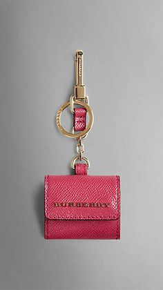 Patent London Leather Photo Key Charm from Burberry. Shop more products from Burberry on Wanelo. Claire's Accessories, Bohemian Accessories, Leather Keychain, Leather Wallet, Leather Jewelry, Leather Purses, Small Leather Goods, Leather Design, Creations