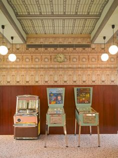 Wes Anderson-designed Bar Luce takes its cues from old Milanese landmarks and cafes - Retailand Restaurant Design Wes Anderson Style, Wes Anderson Movies, Architecture Restaurant, Restaurant Design, Italian Home, Italian Style, Rustic Italian, Accidental Wes Anderson, Lise Sarfati
