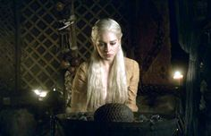 Daenerys-Targaryen-house-targaryen