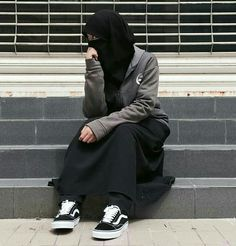 #Abaya #Hijab #Muslimah #Hijabi #Munaqaba #Niqab #Niqabi #Purdah