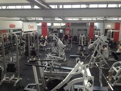 Where I train - Maximums Muscle Gym & Fitness Centre in Slough, Berkshire.