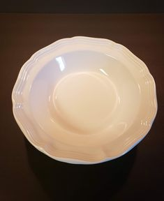 """MIKASA French Countryside, French Country, 9 3/4"""" Round Serving Bowl, 1 QT, Creamy White, Scalloped Edge, Kitchen Dining, 3 Available, MINT Kitchen Ware, Kitchen Dining, Mikasa French Countryside, Soup Mugs, Jar Lids, Scalloped Edge, China Dinnerware, Creamy White, Pie Dish"""