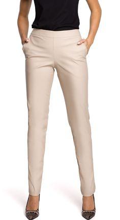 Novinky zimní bundy Khaki Pants, Capri Pants, Fashion, Capri Trousers, Moda, Khakis, Fashion Styles, Fashion Illustrations, Trousers