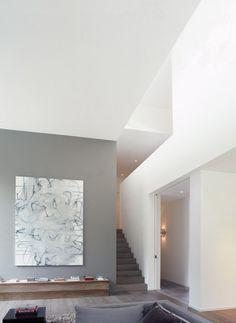 House in Uccle Belgium* by architect Marc Corbiau living Interior Stairs, Interior Exterior, Best Interior, Colour Architecture, Interior Architecture, Deco Design, Contemporary Interior, Interiores Design, Bauhaus