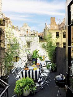 Une jolie terrasse en ville à la déco graphique !