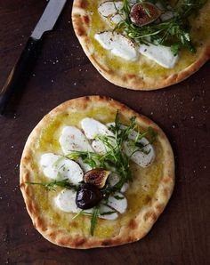 fig & goat cheese flatbread Make it with vegan cheese Think Food, I Love Food, Good Food, Yummy Food, Healthy Food, Goats Cheese Flatbread, Goat Cheese, Cheese Food, Baked Cheese