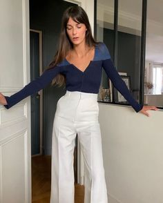 Jeanne Damas, How To Wear White Jeans, Parisienne Style, Girl Fashion, Fashion Outfits, Fashion Women, Parisian Chic Style, French Girl Style, Classy Outfits