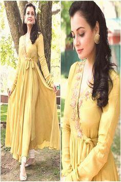 #india #fashion #outfit #beauty theiatekchandaney diamirzaofficial aditisomaniindia bollywoodstyle bollywood fashion outfit styled beauty style by diamirzaofficial Outfit  aditisomaniindia Styled by  theiatekchandaneyYou can find india fashion and more on our website Kurta Designs Women, Kurti Neck Designs, Kurti Designs Party Wear, Indian Gowns Dresses, Pakistani Dresses, Indian Wedding Outfits, Indian Outfits, Bridal Outfits, Stylish Dresses